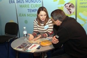 Oleksandra Balyasna, Erasmus Mundus alumni (left) at Education Abroad fair in Kyiv