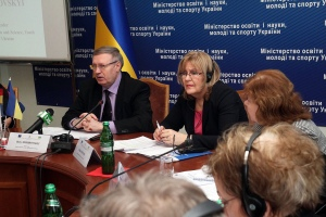 Maria Juríková, the Deputy Head of the European Union Delegation to Ukraine, and Borys Zhebrovsky, Project leader and the Deputy Education, Science, Youth and Sports Minister