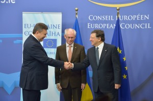 European Commission President Barroso, European Council President Van Rompuy and Ukraine's President Yanukovych at EU-Ukraine summit, 25 February, 2013