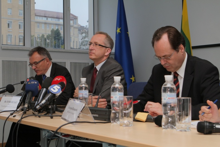 Jan Tombiński, Ambassador of the European Union (centre), Petras Vaitiekūnas, Ambassador of Lithuania (left) and Tomislav Vidošević, Ambassador of Croatia (right)