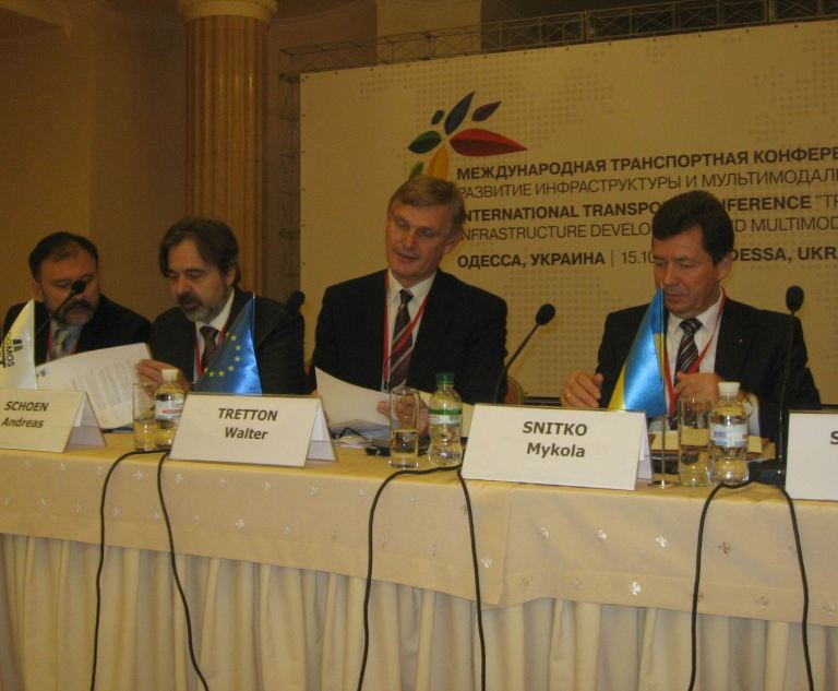 Walter Tretton, head of the energy, environment and transport section of the EU Delegation to Ukraine, at a transport conference in Odessa