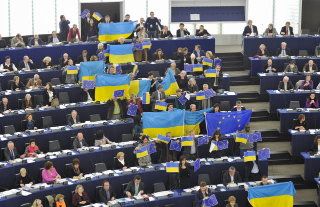 Support to Ukraine in the European Parliament (December 2013). Photo: European Parliament press service