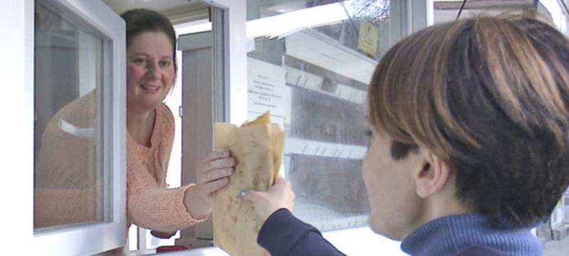 EU helps displaced women from Crimea to open mini bakery inKakhovka