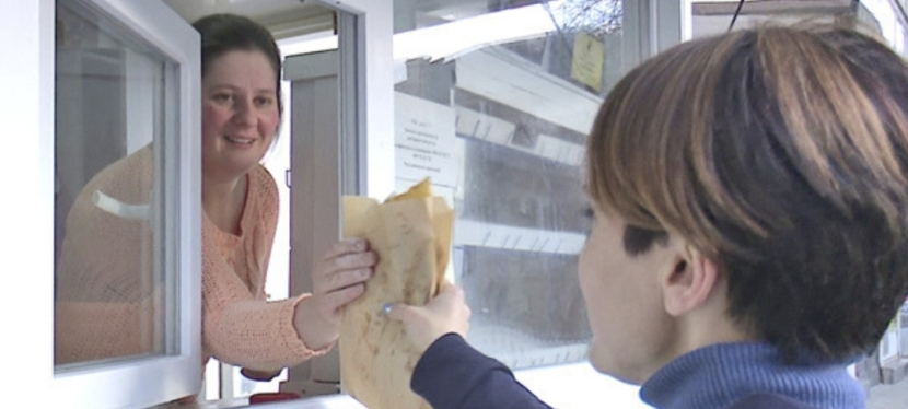 EU helps displaced women from Crimea to open mini bakery in Kakhovka