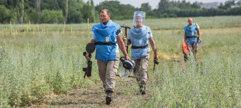 EU funds demining of fields in Luhansk region