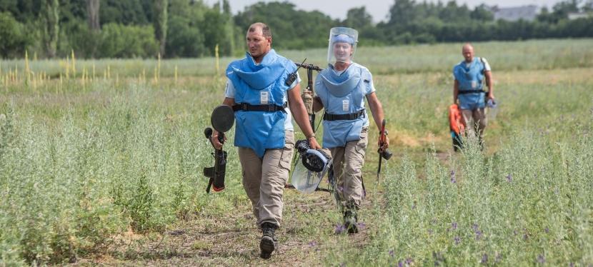 EU funds demining of fields in Luhanskregion